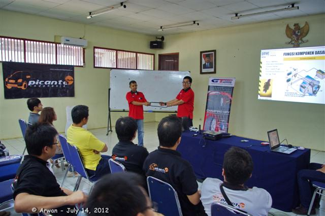 pica menghadiri safety & defensive driving training sdci – 14 juli 2012